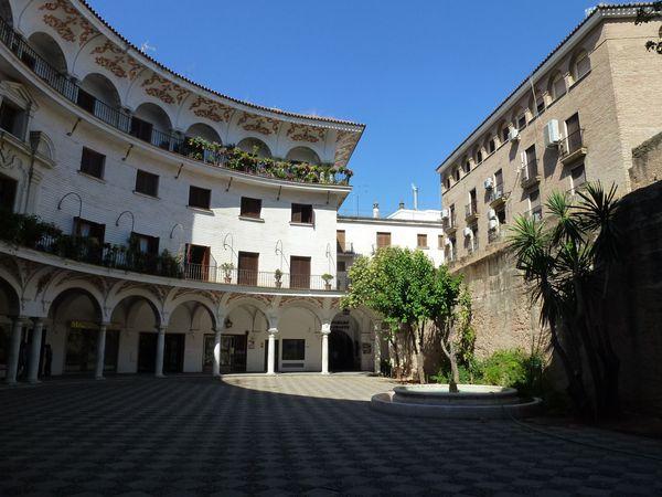 SEVILLA---Plaza-del-Cabildo.JPG