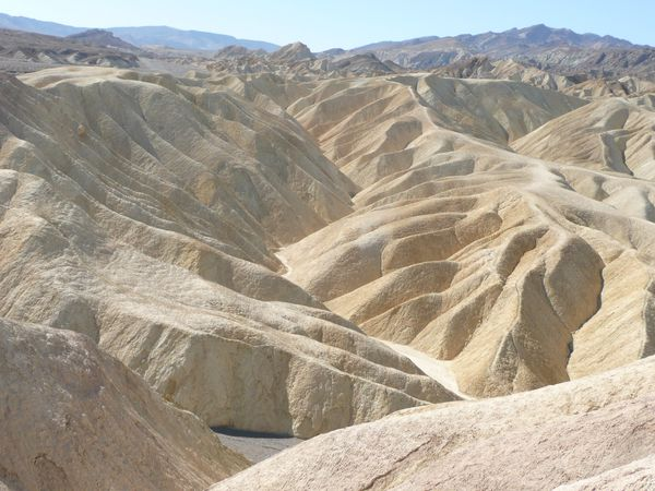 Death-Valley---Zabriskie-Point-nous--2-.JPG