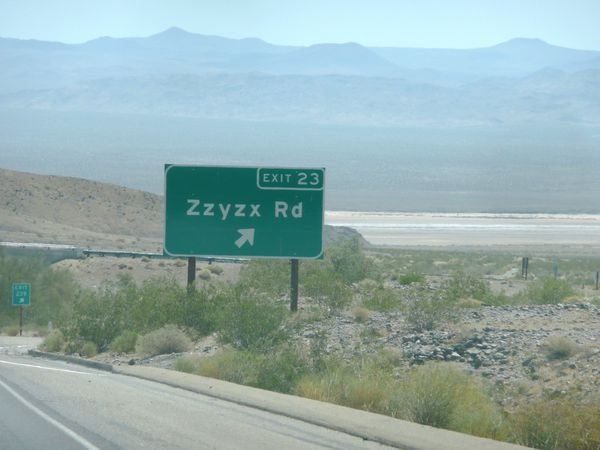L.A.-a-L.V.-on-the-road---Zzyzx.JPG