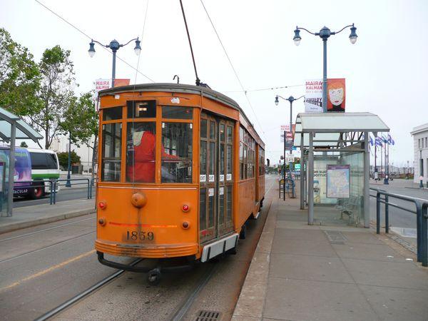 streetcar-de-Milan.JPG
