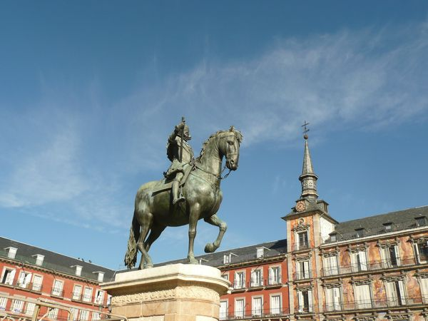 Plaza-Mayor---statue-de-Philippe-III--3-.JPG
