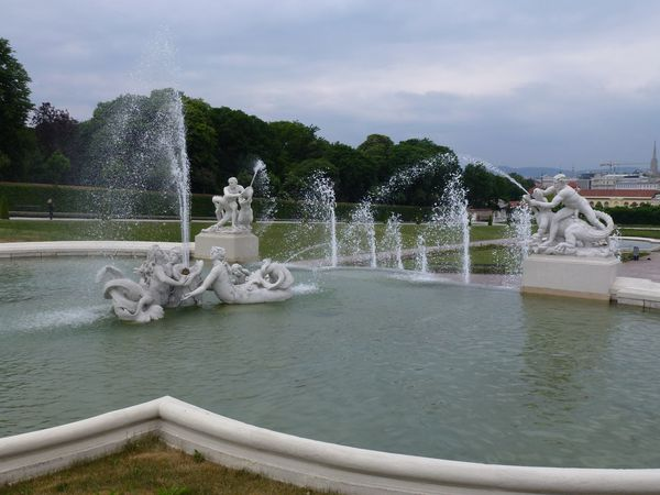 Belvedere---bassin-fontaines.JPG