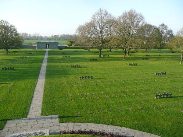 La Cambe - cimetière allemand (15)
