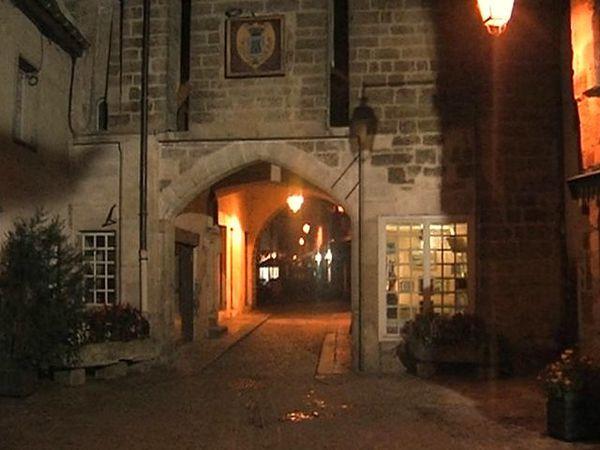 Semur-en-Auxois-Porte Sauvigny