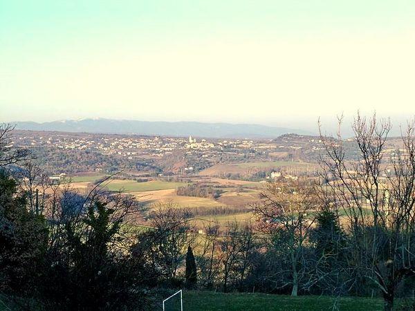 800px-Paysage vue de Montjustin