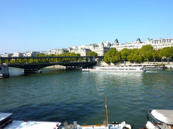 Le Pont de Bir-Hakeim-Paris