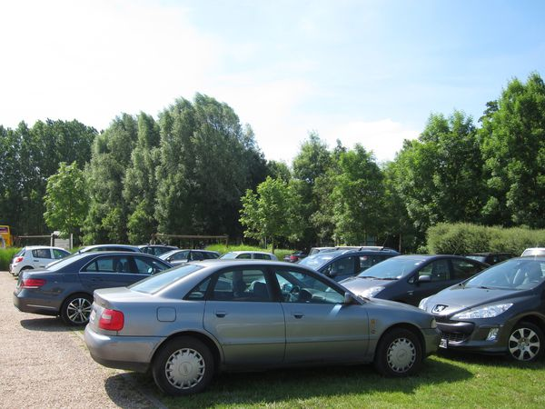 Giverny parking