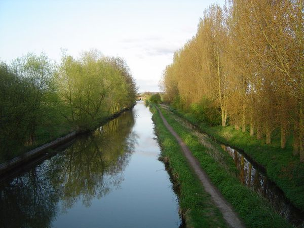 A aylesbury canal