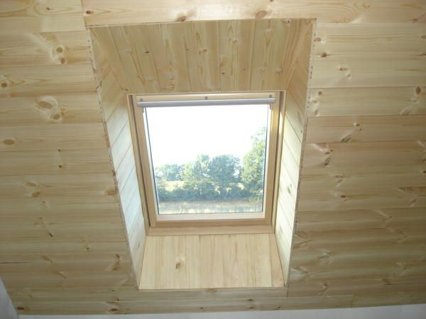 Quelques photos enfin le lambris construction d 39 une for Comment poser des velux