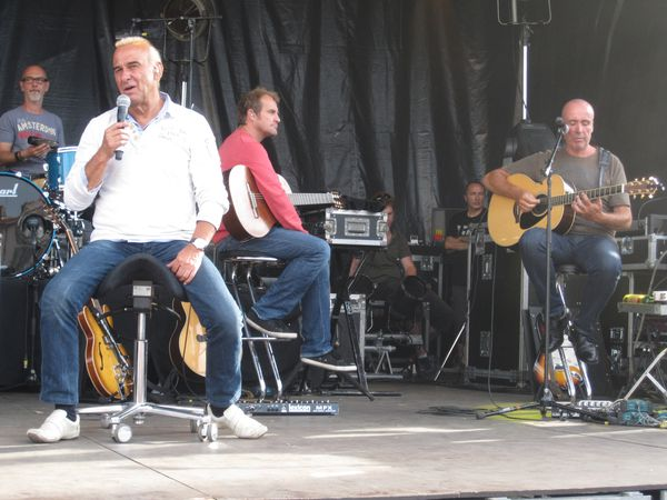 Michel-Fugain-2012-5141.JPG