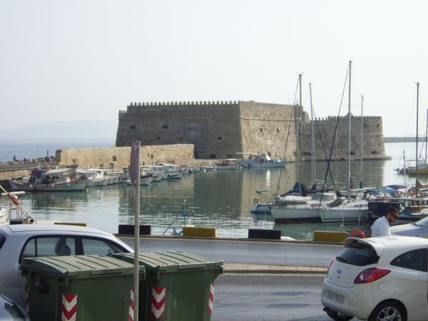 Port-a-Heraklion.JPG