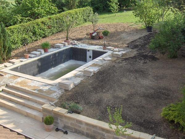 Construction de notre piscine for Construction de piscine 30
