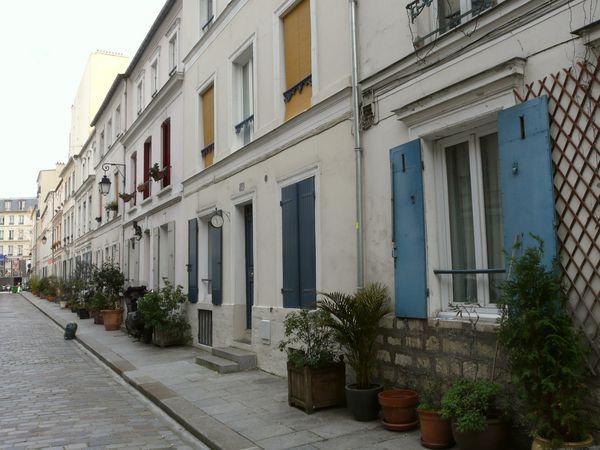 Une rue où il y a pleins de détails à savourer