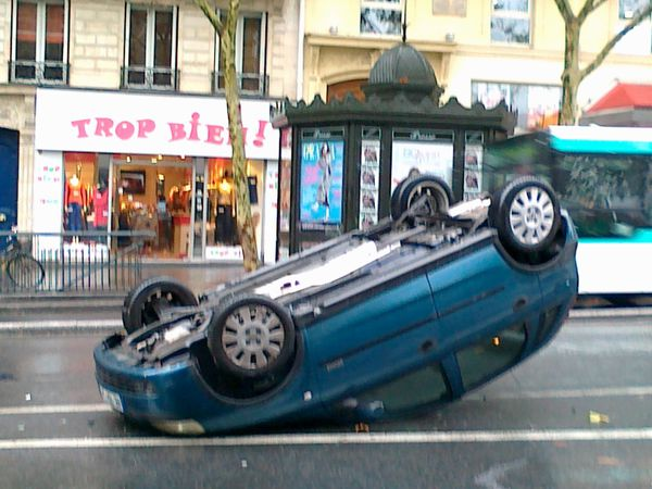 Crash-Bd-St-Michel-20-oct-2012.jpg