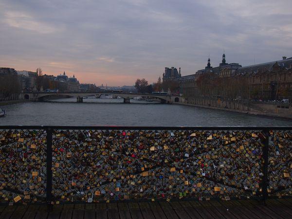 Le-pont-des-arts-24-nov-2012.JPG