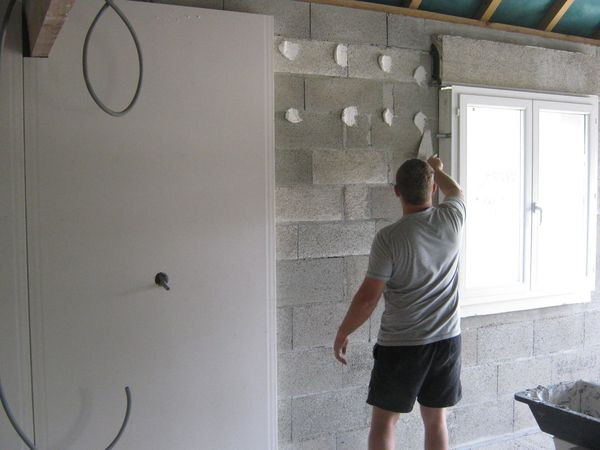 Le placo l 39 isolation les murs et cloisons le blog de for Polystyrene isolation mur interieur