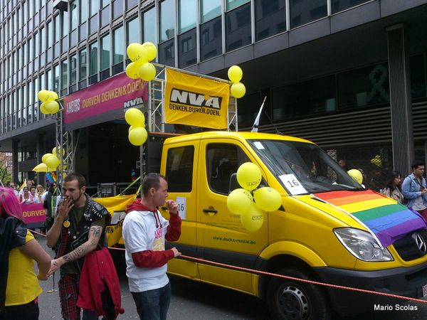NVA-GAY-PRIDE-BRUSSEL-2013.jpg