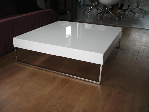 Table basse design la maison claramel r nov e - Table carree blanche laquee ...