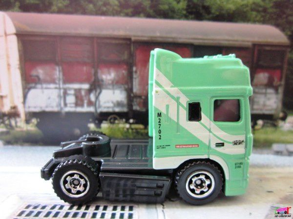 camion-daf-xf95-space-cab-euro-edition-matchbox (1)