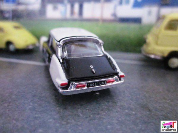 citroen-ds19-police-universal-hobbies-1.87 (1)