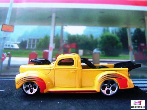 40 ford yellow pickup collector #1069 (1)