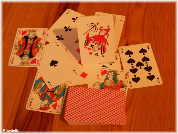 JEU-DE-CARTES--32--54-cartes--joker--belote--poker.jpg