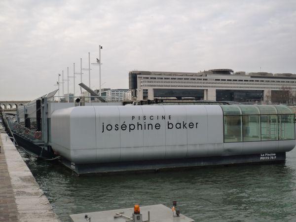 Piscine Josephine Baker sur la Seine