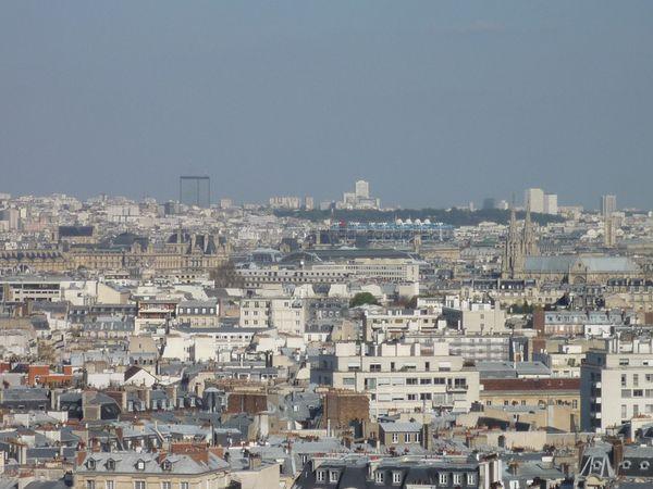 Beaubourg vu du 1er étage de la Tour Eiffel