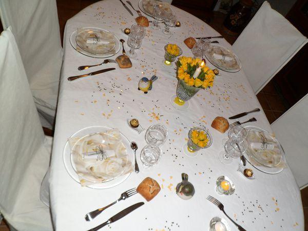 table roses jaunes 033