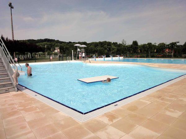 Ouverture de la piscine communautaire le blog de royer for Ouverture piscine