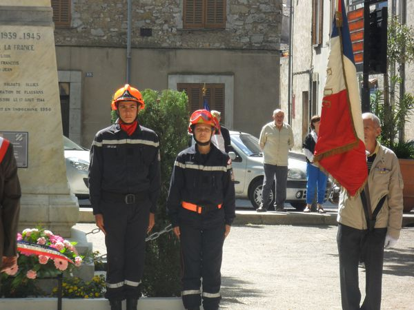 juju-pompier-8-mai-2012-006.jpg