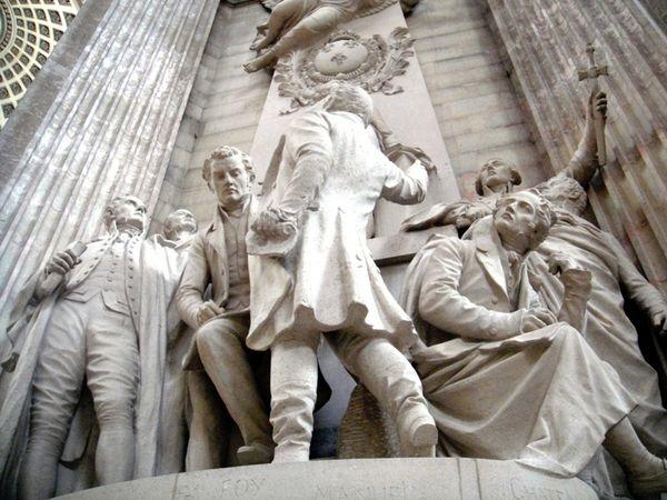 42.Le Panthéon Sculpture