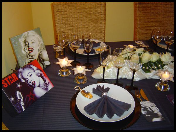 table marilyn monroe28