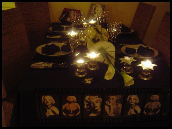 table marilyn monroe40