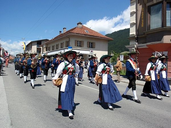 Costumes-tyroliens-Fanfare-de-Vals---St-Jodok-.JPG
