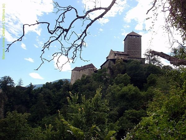 chateau-Tirol---Trentino-Haut-Adige.JPG