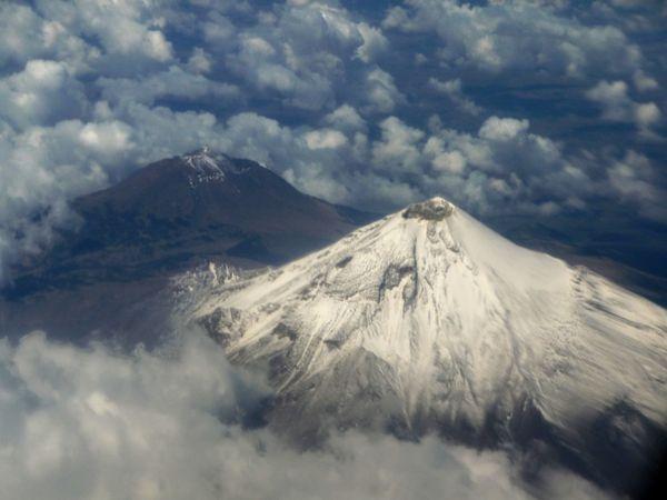 Volcans vus d'avion 2