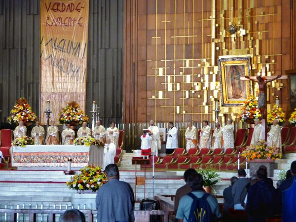 Mexico ND de Guadalupe messe (2)