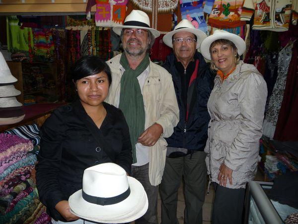 Jour-5-San-Cristobal-chapeaux.jpg