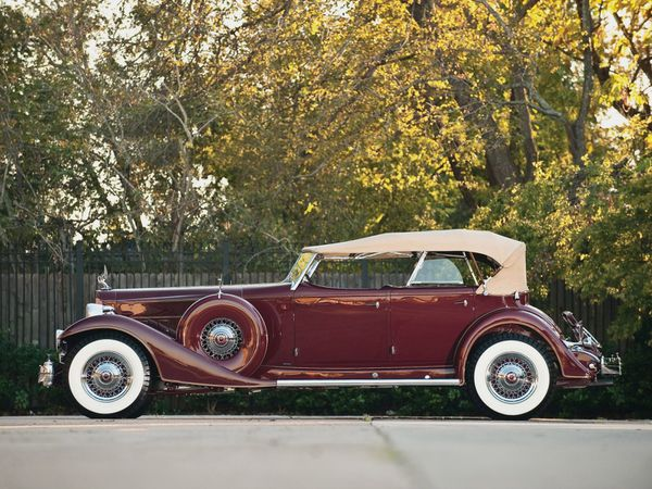 packard_custom_twelve_model_1006_sport_phaeton_by_-copie-1.jpg