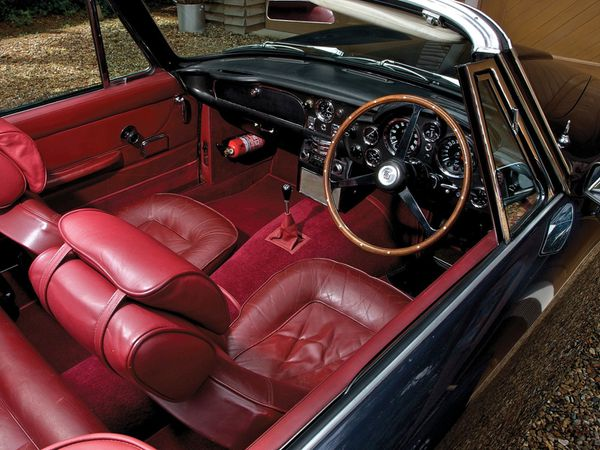 aston_martin_db6_volante_version_uk_1965_111.jpg