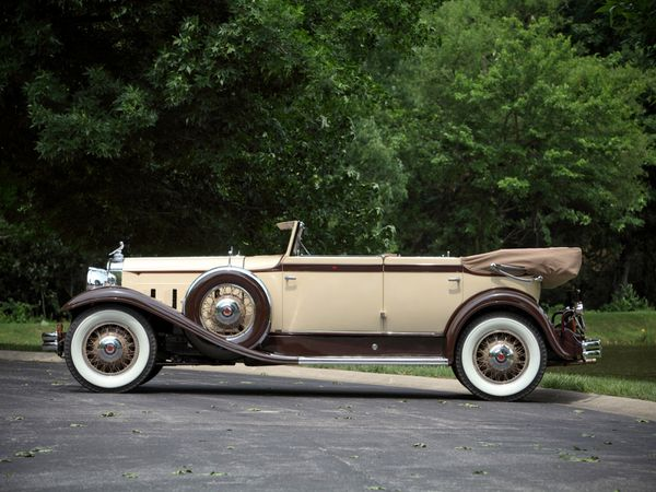 packard_eight_individual_custom_convertible_sedan_-copie-3.jpg
