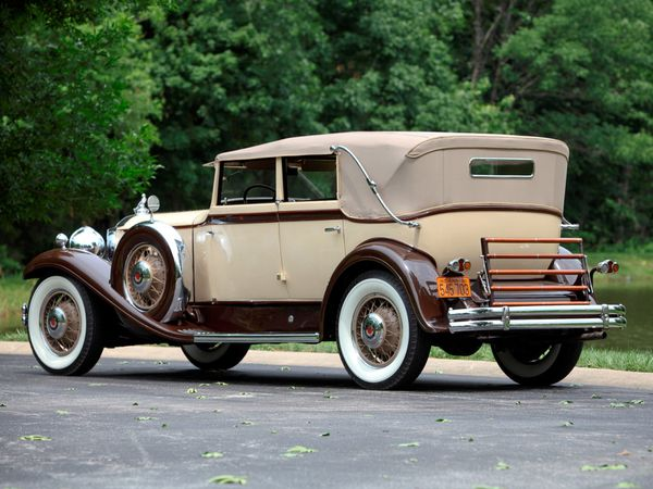 packard_eight_individual_custom_convertible_sedan_-copie-4.jpg