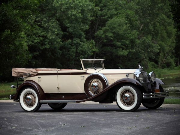 packard_eight_individual_custom_convertible_sedan_-copie-5.jpg