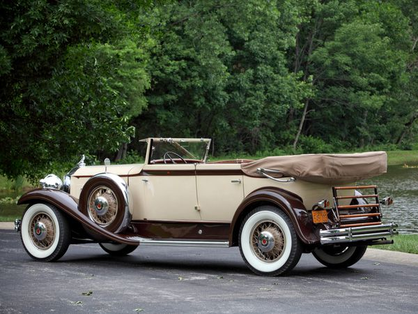 packard_eight_individual_custom_convertible_sedan_-copie-6.jpg