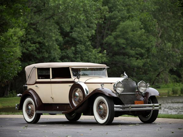 packard_eight_individual_custom_convertible_sedan_by_dietri.jpg