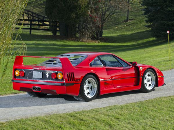 ferrari_f40_usa_1987_109-copie-1.jpg