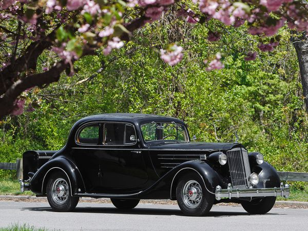 packard_twelve_5-passenger_coupe_1936_01.jpg
