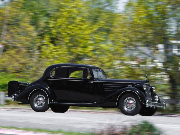 packard_twelve_5-passenger_coupe_1936_02.jpg