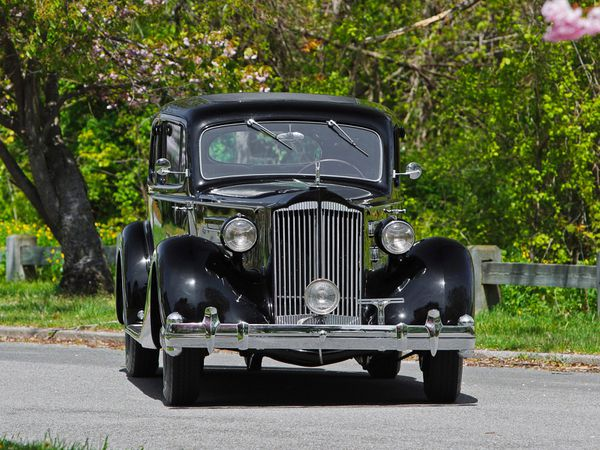 packard_twelve_5-passenger_coupe_1936_06-copie-1.jpg